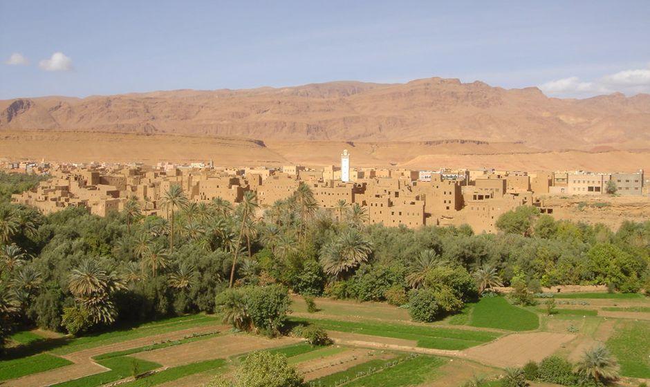 tineghir southern morocco sahara desert