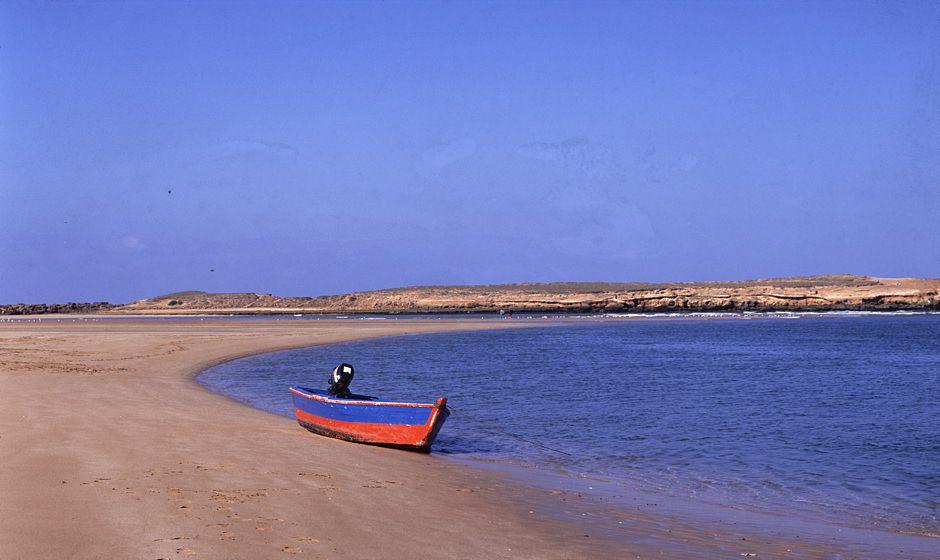 coast morocco essaouira oualidia agadir merleft taghazoute